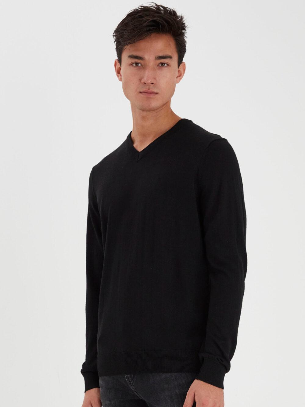 Casual Friday Pullover V-neck Black